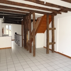 BOURGES SAINT BONNET APPARTEMENT T3 DE CARACTERE