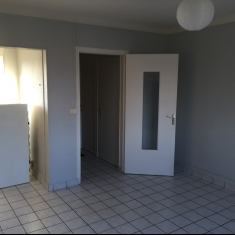 Bourges Sud appartement type 2 avec garage et parking