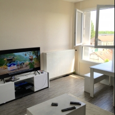 BOURGES appartement type 2 av de Dun