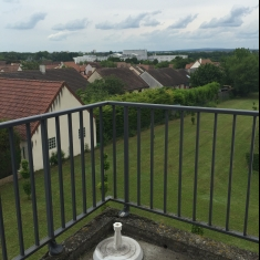appartement type 2 balcon et parking